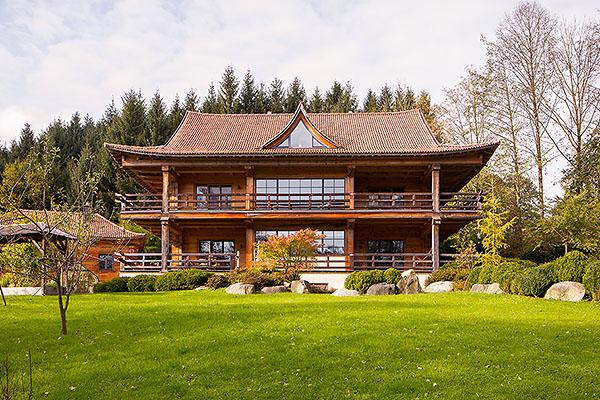 Holzhaus und blockhaus gesundes bauen mit holz lehm und for Modernes haus technik